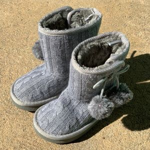 Toddler Girl Gray Knit Boots - Size 5M